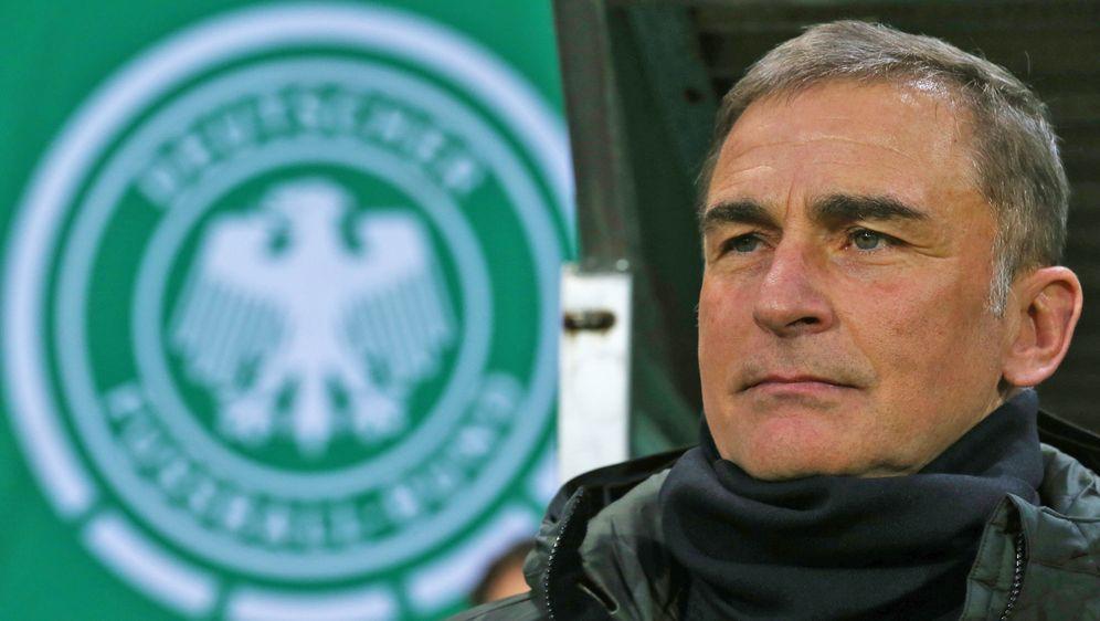 Stefan Kuntz bleibt weiterhin Trainer der U21. - Bildquelle: Getty