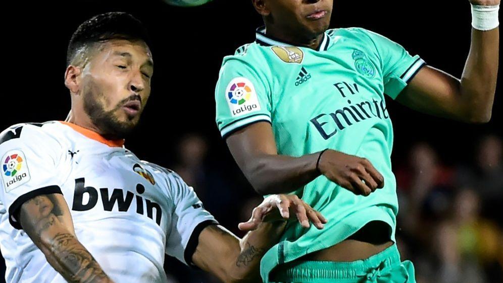 Der FC Valencia und Real Madrid trennten sich mit 1:1 - Bildquelle: AFPSIDJOSE JORDAN