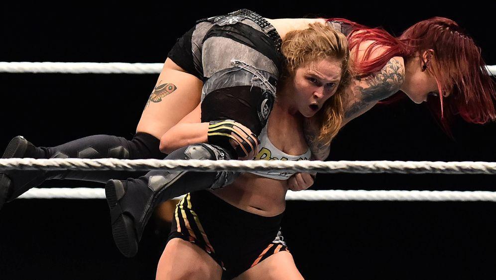 Beim Main Event dabei: Ronda Rousey. - Bildquelle: imago/Independent Photo Agency Int.