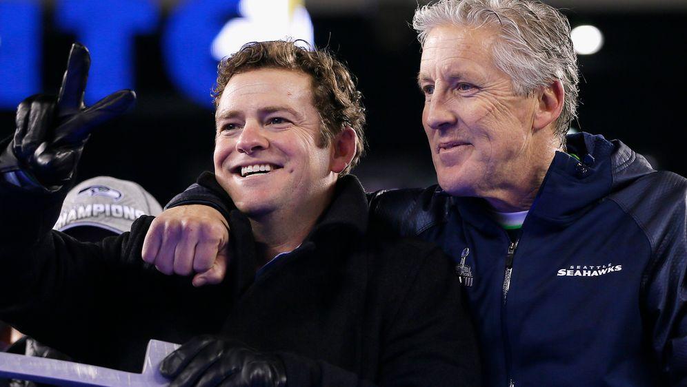 John Schneider und Pete Carroll. - Bildquelle: 2014 Getty Images