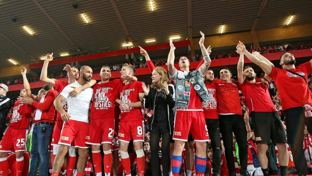 Union Berlins Spieler wurden vom Bürgermeister empfangen - Bildquelle: PIXATHLONPIXATHLONSID