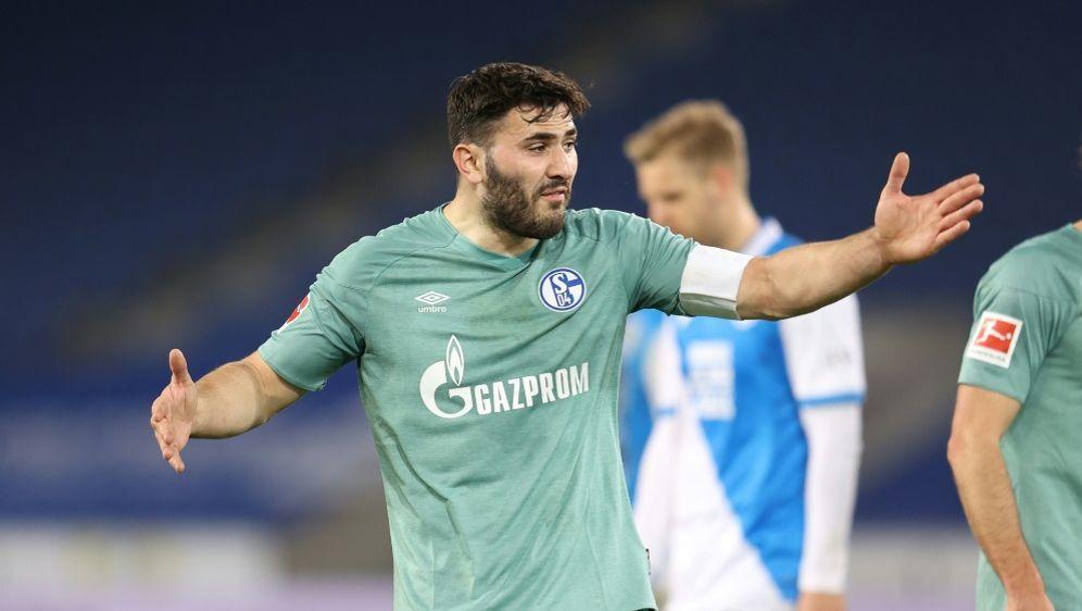 Schalke ist abgestiegen, die anderen Klubs zittern noch - Bildquelle: FIROFIROSID