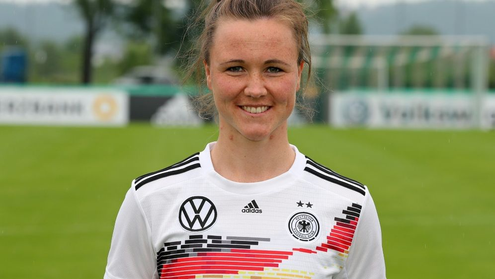 Erzielte den Siegtreffer gegen Freiburg: Marina Hegering - Bildquelle: firo Sportphotofiro SportphotoSID