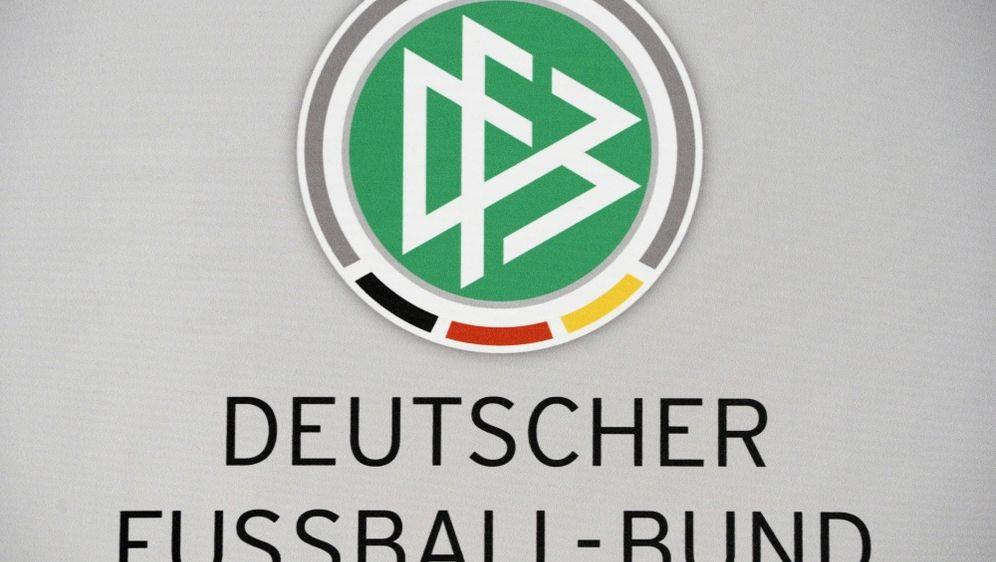 Gewaltattacken gegen Schiedsrichter: DFB-Spitze reagiert - Bildquelle: AFPSIDJOHN MACDOUGALL