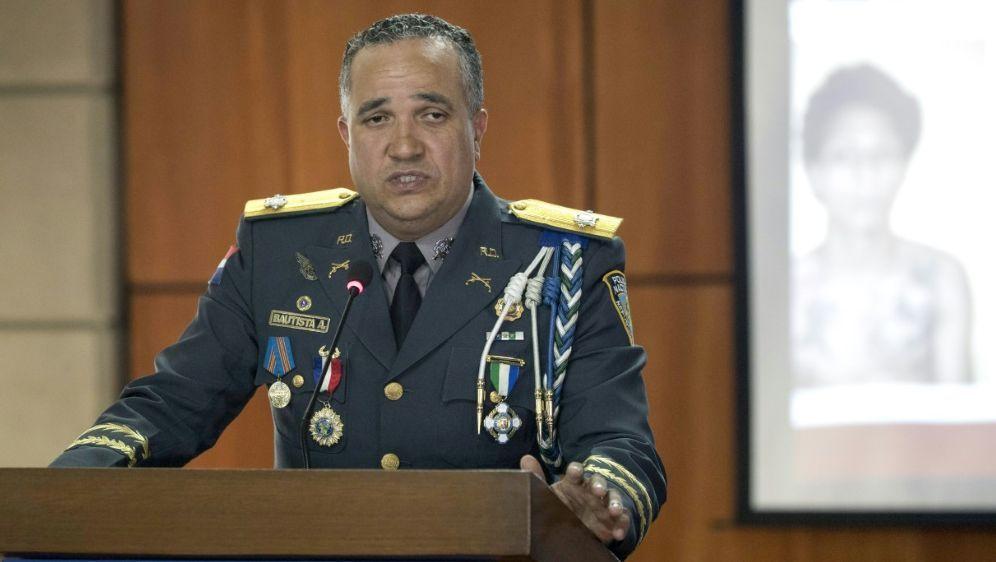 Polizeichef Ney Bautista gibt Einzelheiten bekannt - Bildquelle: AFPSIDERIKA SANTELICES