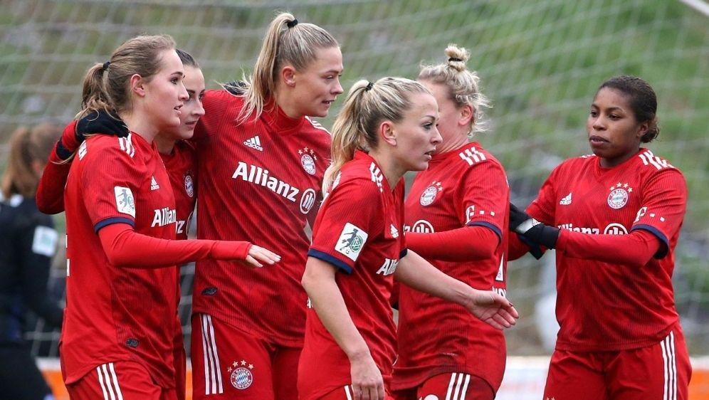 Die Bayern-Spielerinnen wollen in der CL angreifen - Bildquelle: FIROFIROSID