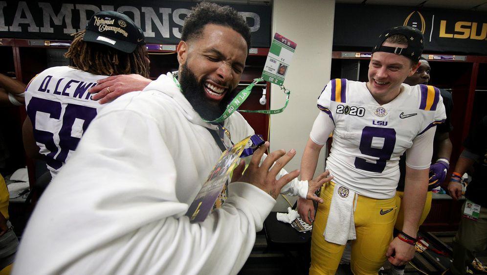 OBJ hatte Spaß in der LSU-Kabine - hier mit Quarterback Joe Burrow. - Bildquelle: 2020 Getty Images
