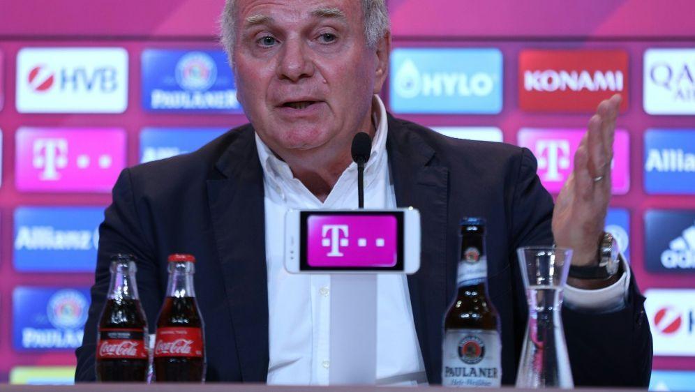 Uli Hoeneß sieht keine Krise bei Bayern München - Bildquelle: PIXATHLONPIXATHLONSID