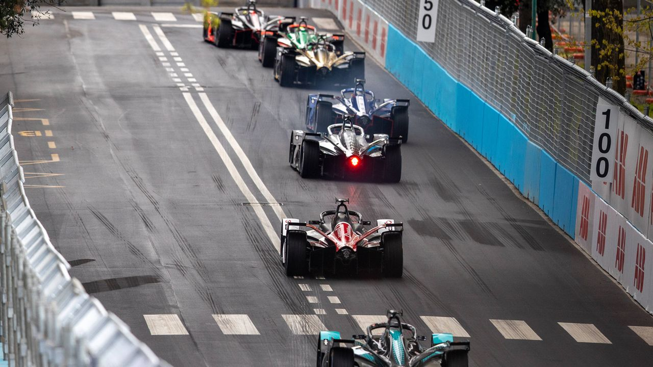 Gewinner: Wundertüte Formel E - Bildquelle: imago images/Just Pictures