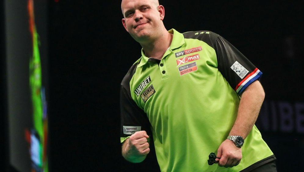 Gewann im Finale deutlich: Michael van Gerwen - Bildquelle: FIROFIROSID
