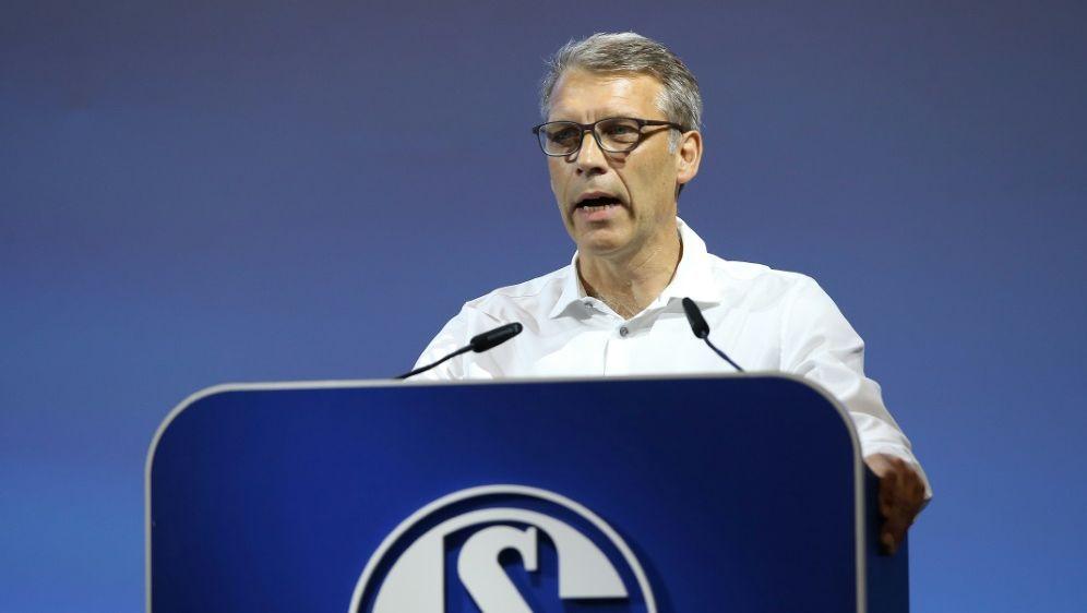Peter Knäbel plant auf Schalke in alle Richtungen - Bildquelle: FIROFIROSID