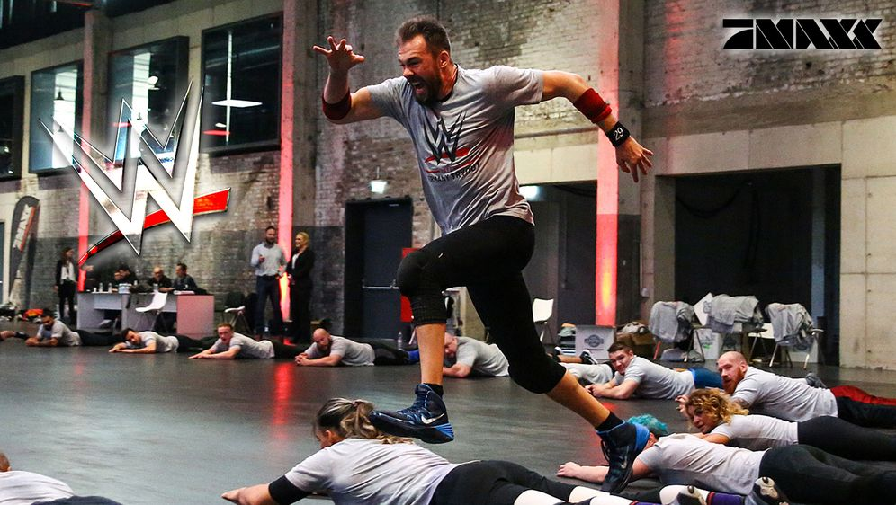 """Beim WWE-""""Tryout"""" kämpfen 44 Kandidaten aus Deutschland um einen begehrten T... - Bildquelle: P7 MAXX"""