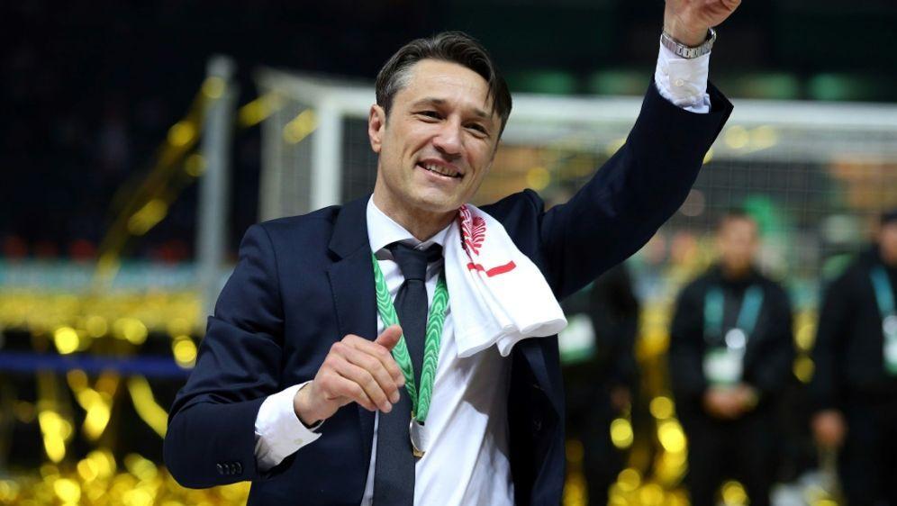 Niko Kovac bedankte sich bei den Bayern-Fans - Bildquelle: FIROFIROSID