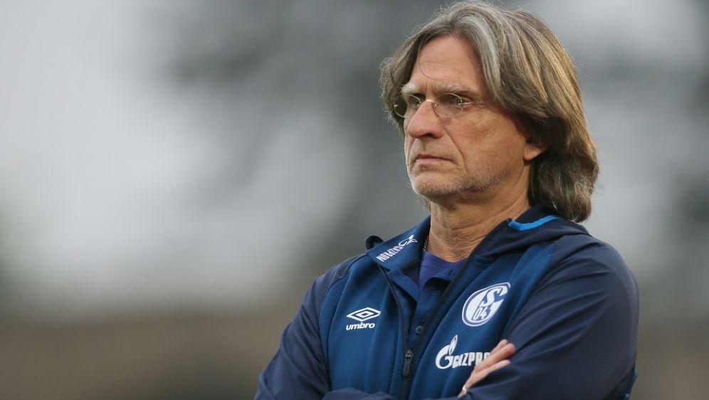 Norbert Elgert ist U19-Trainer der Königsblauen - Bildquelle: FIROFIROSID