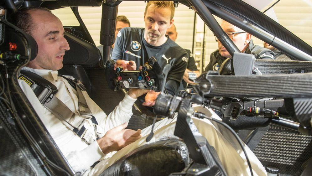 Im Kreise der BMW-Werksfahrer wäre Robert Kubica sehr willkommen. - Bildquelle: BMW AG