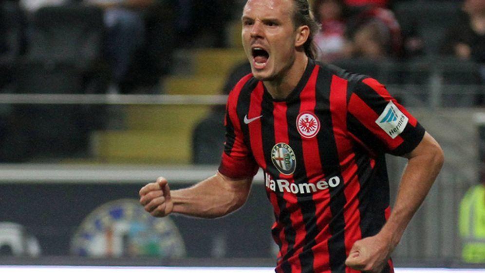 Alex Meier führt mit acht Toren die Torschützenliste der Bundesliga an. - Bildquelle: getty