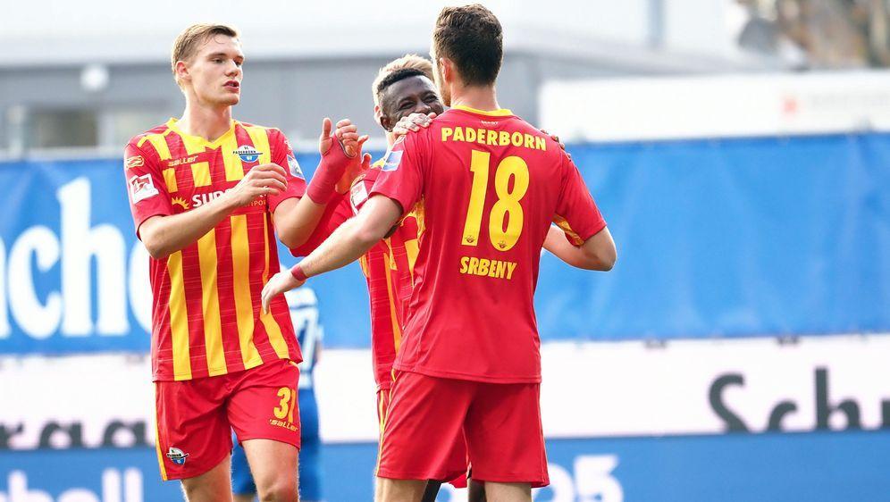 Der SC Paderborn kann mit einem Sieg gegen St. Pauli auf Platz 2 vorrücken. - Bildquelle: imago images/Eibner