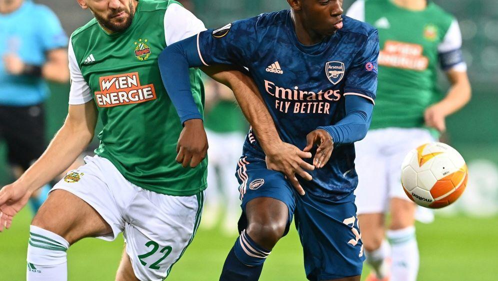 Edward Nketiah (r.) verhinderte Arsenals Niederlage - Bildquelle: AFPSIDJOE KLAMAR