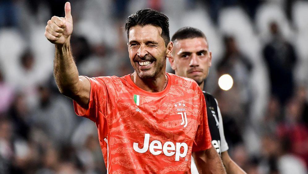 Juve holt Sieg bei Buffon-Comeback - Bildquelle: Imago