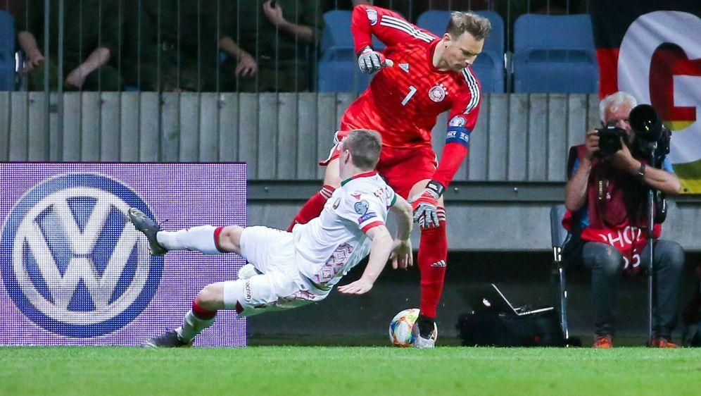 Nationaltorwart Manuel Neuer endlich wieder in Dribbel-Laune