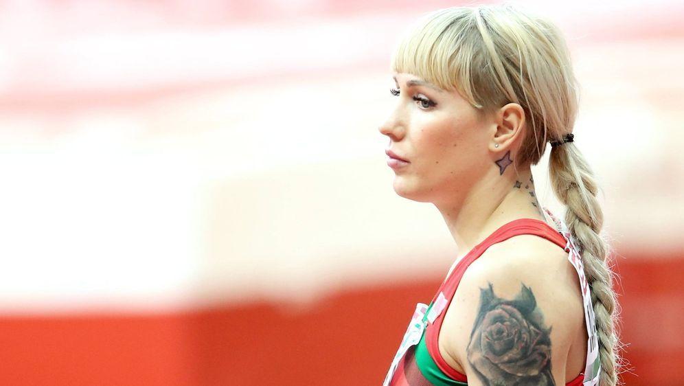 Mehrkämpferin Jana Maksimowa will mit ihrem Ehemann und ihrer Tochter nicht ... - Bildquelle: Imago