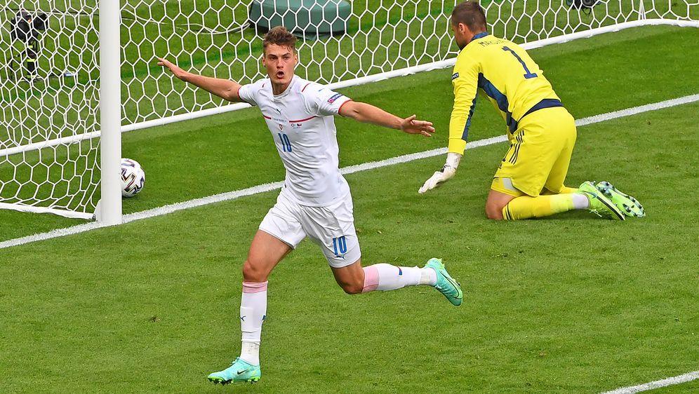 Schick schießt Tschechien mit seinem Doppelpack zum Sieg - Bildquelle: AFPPOOLSIDLEE SMITH