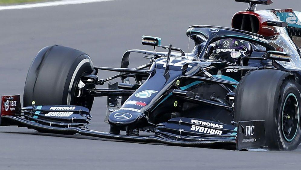 Trotz Reifenschaden am Sonntag siegreich: Lewis Hamilton - Bildquelle: AFPPOOLSIDANDREW BOYERS