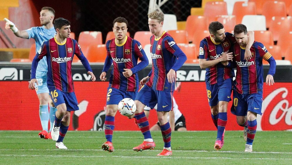 Unerlaubte Grillparty: Messi und Co. droht Ärger - Bildquelle: Imago Images