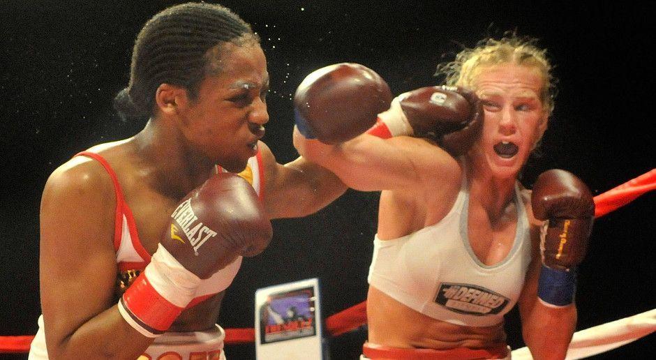 Boxweltmeisterin in drei Gewichtsklassen - Bildquelle: Imago sportfoto