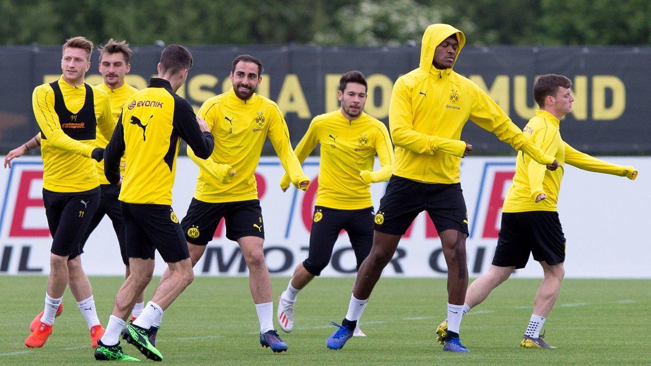 Borussia Dortmund  - Bildquelle: imago images / Noah Wedel