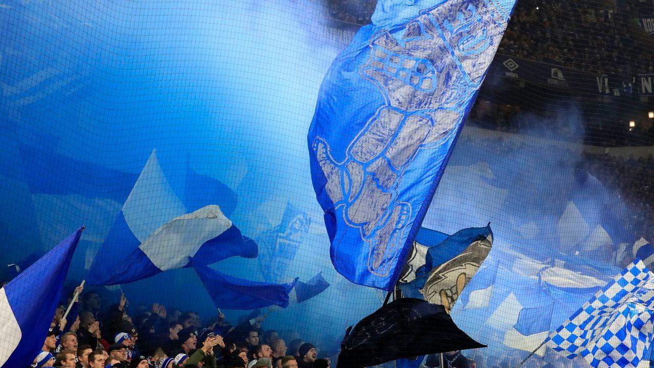 Fans - Bildquelle: imago images/Laci Perenyi