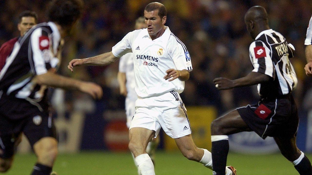 Platz 4 - Zinedine Zidane - Bildquelle: 2003 Getty Images