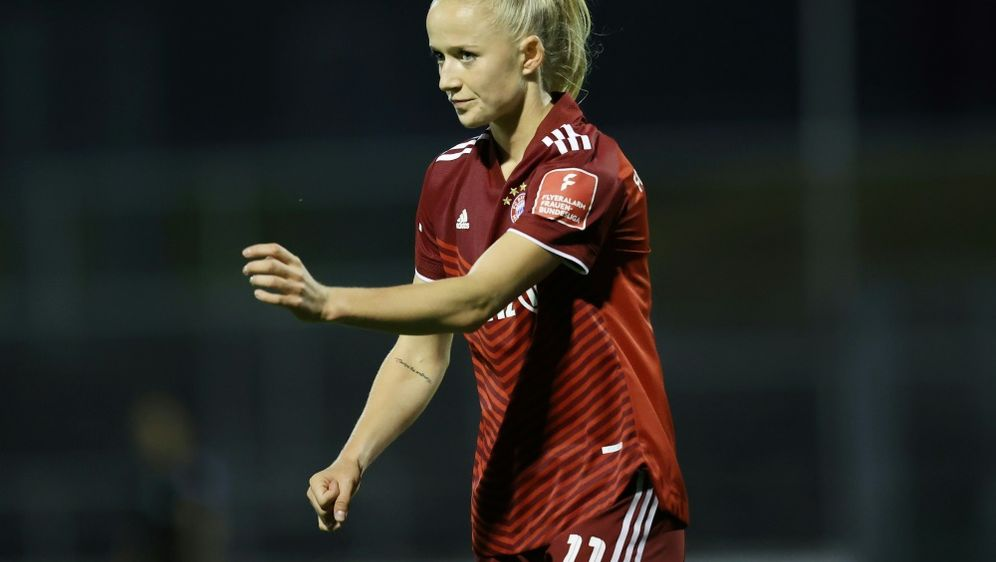 Beim Erfolg der Bayern doppelt erfolgreich: Lea Schüller - Bildquelle: FIRO/FIRO/SID/