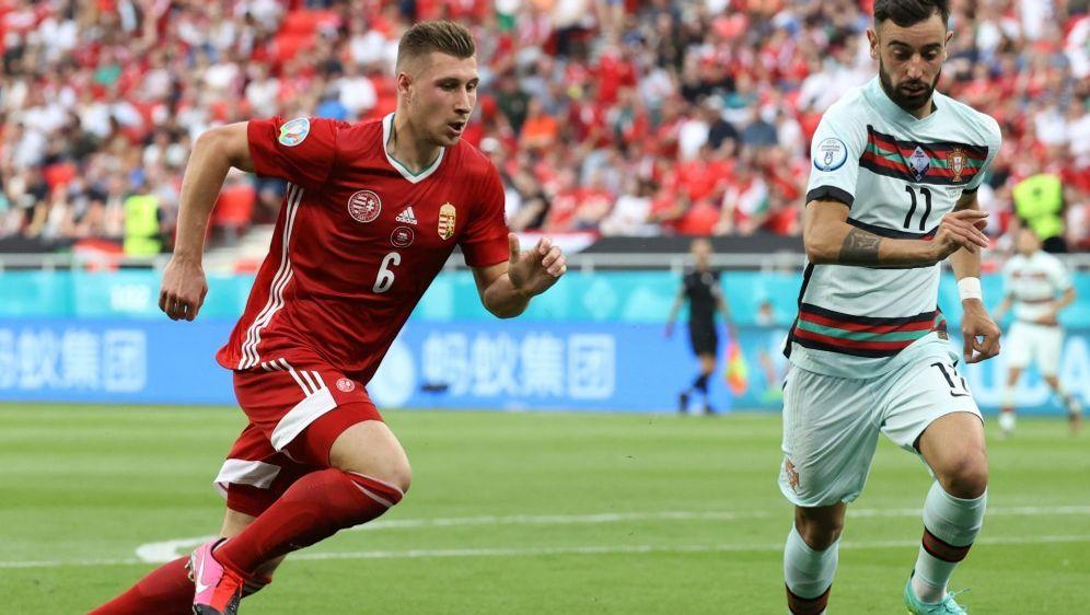 Willi Orban (l.) schätzt das DFB-Team hoch ein - Bildquelle: AFPPOOLSIDBERNADETT SZABO