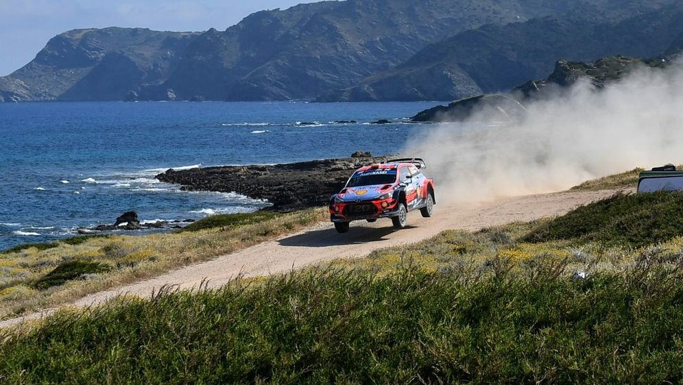 Sordo entschied die Rallye Sardinien für sich - Bildquelle: AFPSIDANDREAS SOLARO