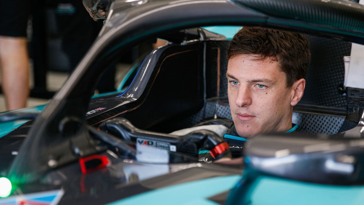 James Calado - Bildquelle:  Motorsport Images