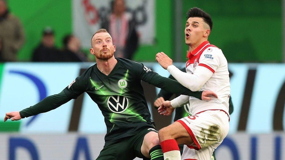 Wolfsburg und Düsseldorf trennen sich unentschieden - Bildquelle: FIROFIROSID