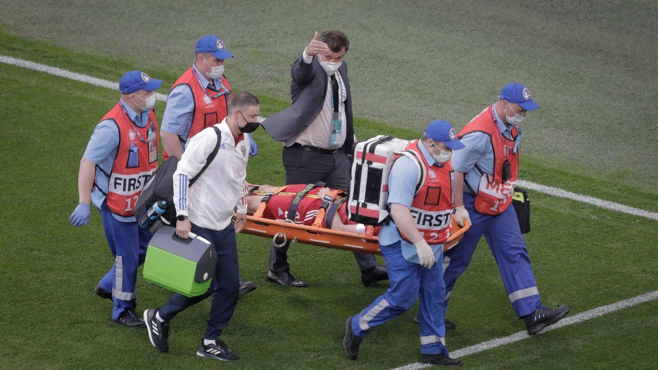 Sanitäter müssen eingreifen - Bildquelle: imago images/Newspix24