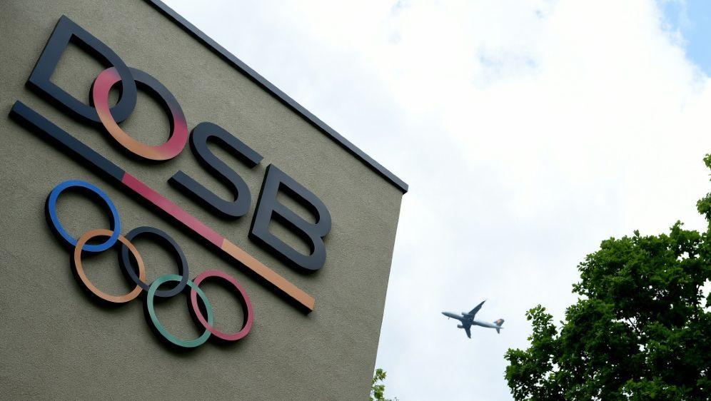 Der DOSB erhebt schwere Vorwürfe gegen das IOC - Bildquelle: AFPSIDPATRIK STOLLARZ