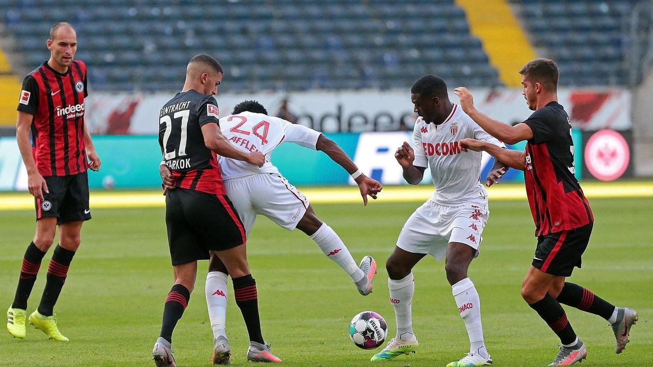 Platz 14: Eintracht Frankfurt - Bildquelle: imago images/Jan Huebner