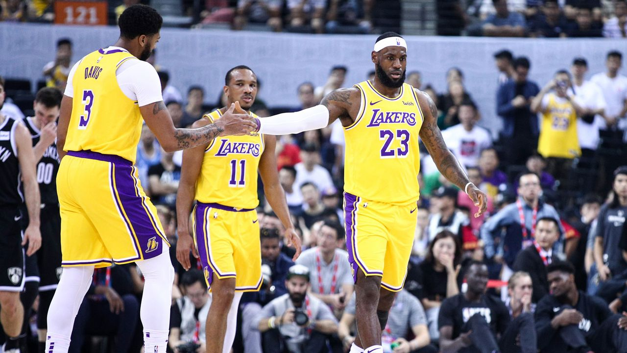 Platz 4 - Los Angeles Lakers (Basketball) - Bildquelle: 2019 Getty Images