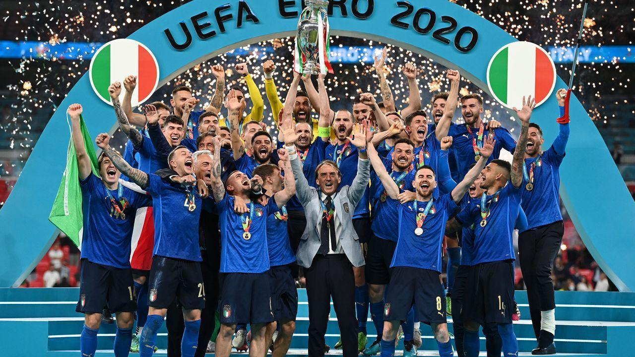 Gewinner: Italien verdient sich Titel mit Spielfreude und Defensivstärke - Bildquelle: Getty Images