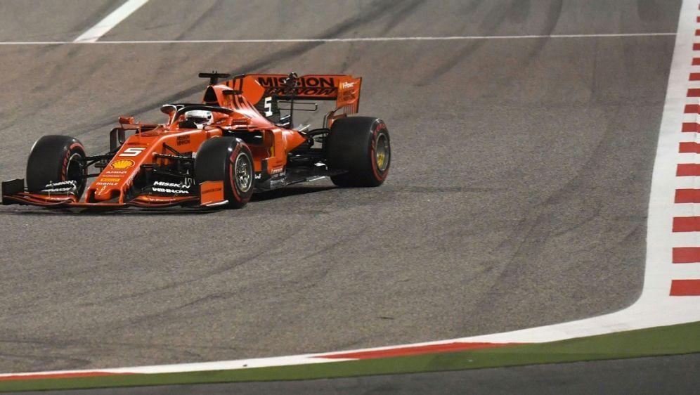 Vettel gab in Shanghai den Ton an - Bildquelle: AFPSIDANDREJ ISAKOVIC