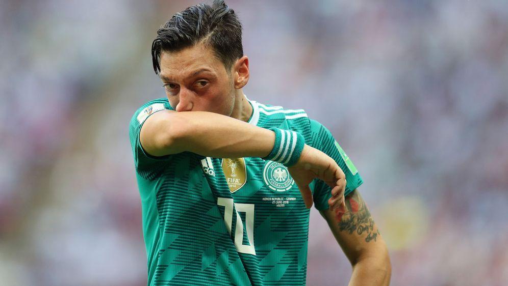 Mit Mundabputzen ist es diesmal nicht getan: Mesut Özil hat seinen Rücktritt... - Bildquelle: Getty Images