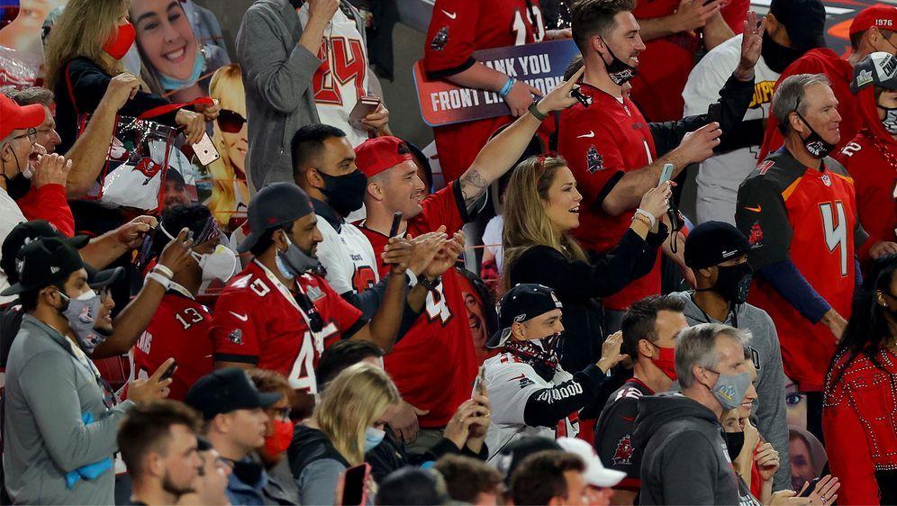 Die Fans der Tampa Bay Buccaneers freuen sich bereits auf die neue Saison. - Bildquelle: Getty Images