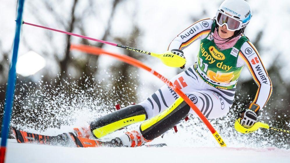 Christina Geiger startet im Slalom fürs deutsche Team - Bildquelle: AFPSIDJure Makovec