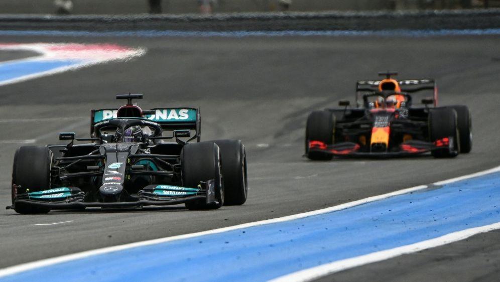 Verstappen und Hamilton kollidierten in Silverstone - Bildquelle: AFPSIDCHRISTOPHE SIMON