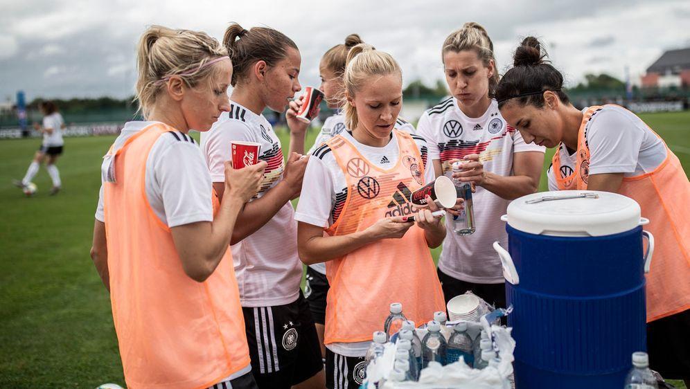 Die deutschen Fußball-Frauen wollen im dritten Gruppenspiel den Gruppensieg ... - Bildquelle: Getty