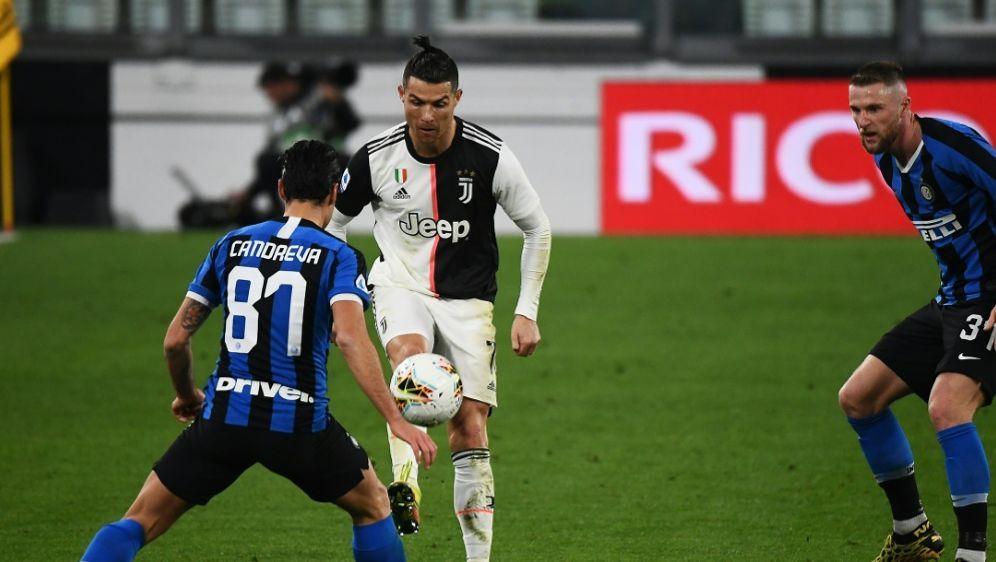 Italiens Fußballverband möchte belasteten Klubs helfen - Bildquelle: AFPSIDVINCENZO PINTO