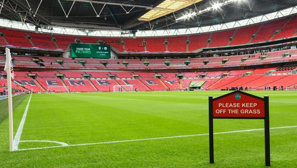 Das FA-Cup-Endspiel wird ohne Zuschauer ausgetragen - Bildquelle: firo Sportphotofiro SportphotoSIDfiro Sportphotopsi